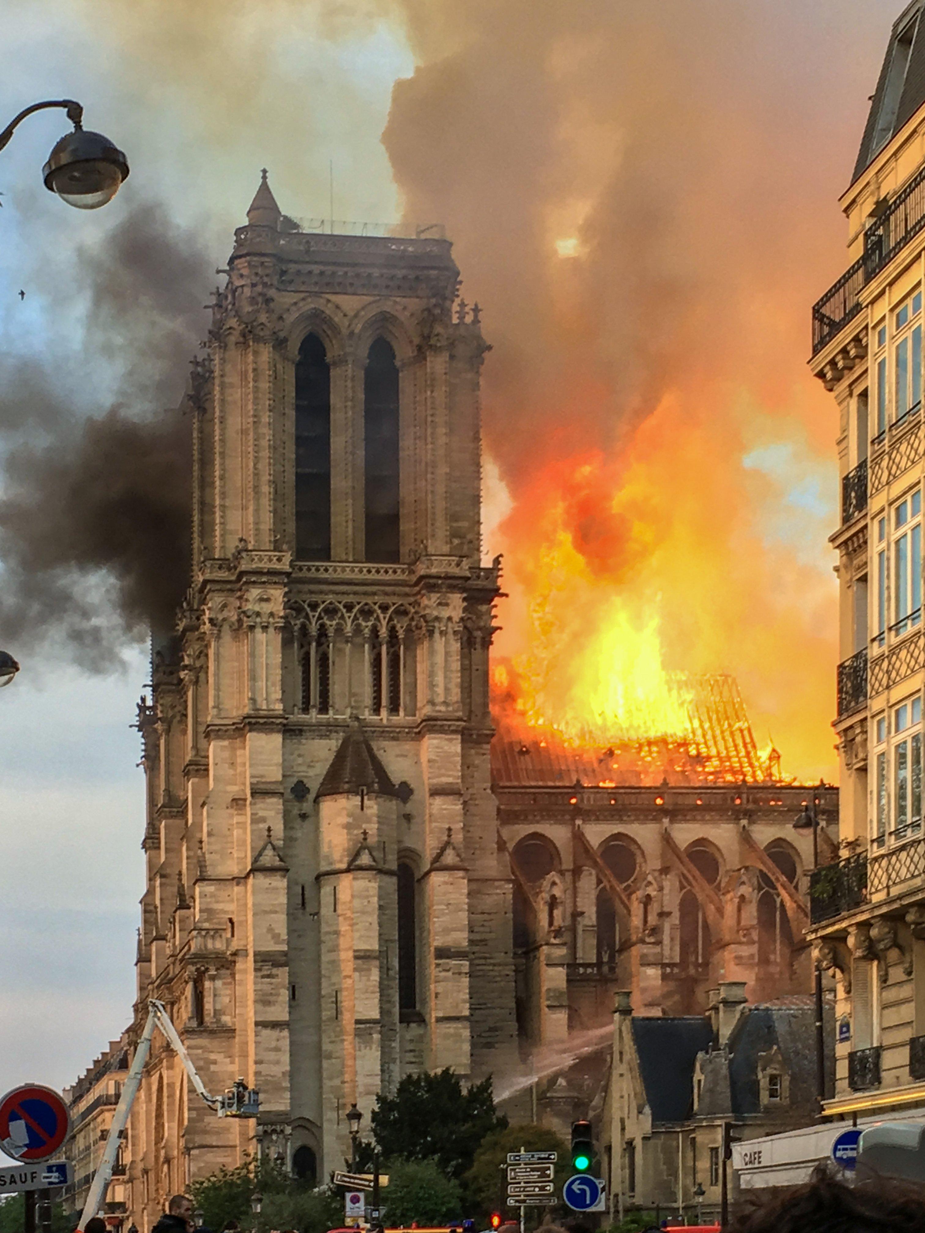 Incendio de Notre Dame de Paris, 15 de abril de 2019. | Imagen: Wikipedia