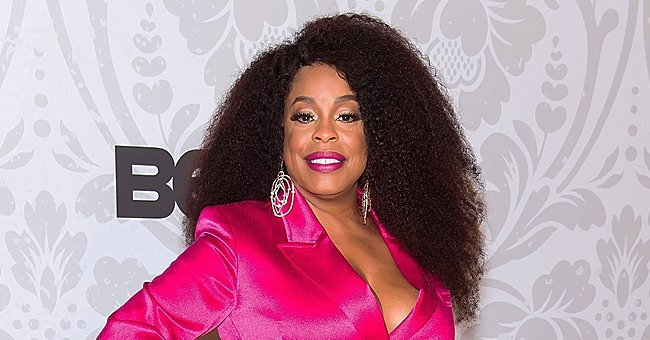 'Claws' Star Niecy Nash Puts Her Hourglass Figure on Display in White Top with Matching Shorts