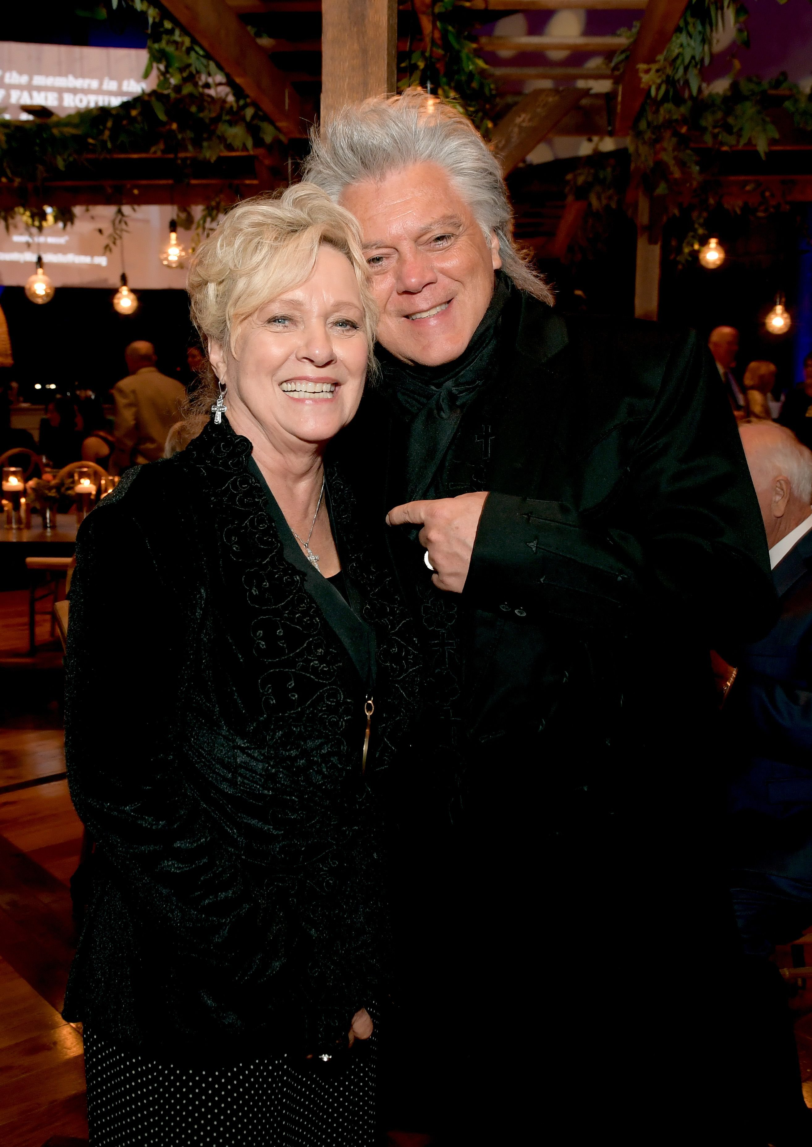 Connie Smith and Marty Stuart at the 2019 Country Music Hall of Fame Medallion Ceremony on October 20, 2019. | Photo: Getty Images