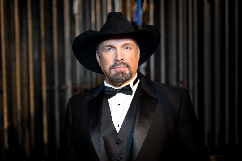 Singer Garth Brooks performs at the Placido Domingo 50th Anniversary Concert at Dorothy Chandler Pavilion on November 17, 2017 | Photo: Getty Images