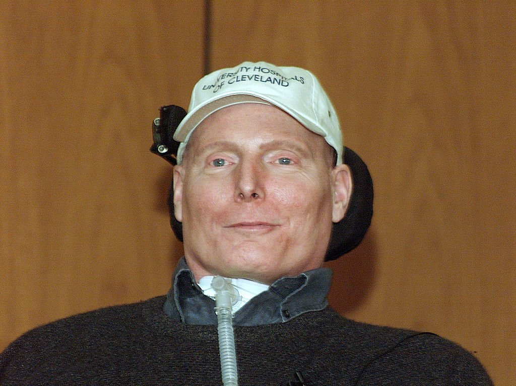 Christopher Reeve listens to a question at a news conference at University Hospitals of Cleveland March 13, 2003 in Cleveland, Ohio | Photo: Don McClung/University Hospitals of Cleveland/Getty Images