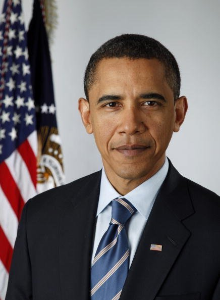 Barack Obama poses for an official portrait on January 13, 2009 in Washington, DC. | Photo: Getty Images