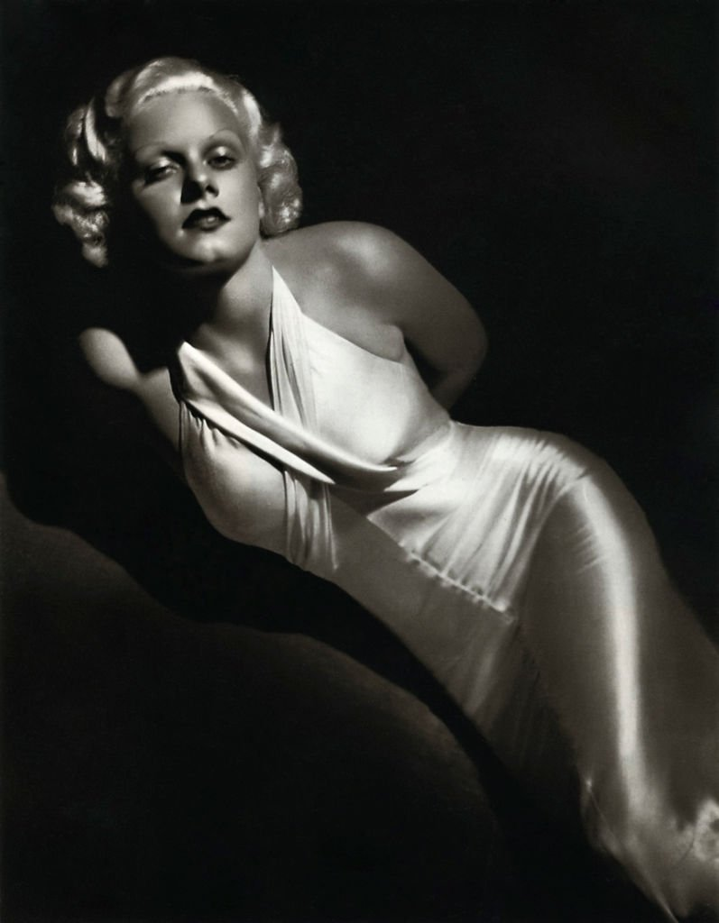 """Actress Jean Harlow in a scene from the movie """"Bombshell"""". 