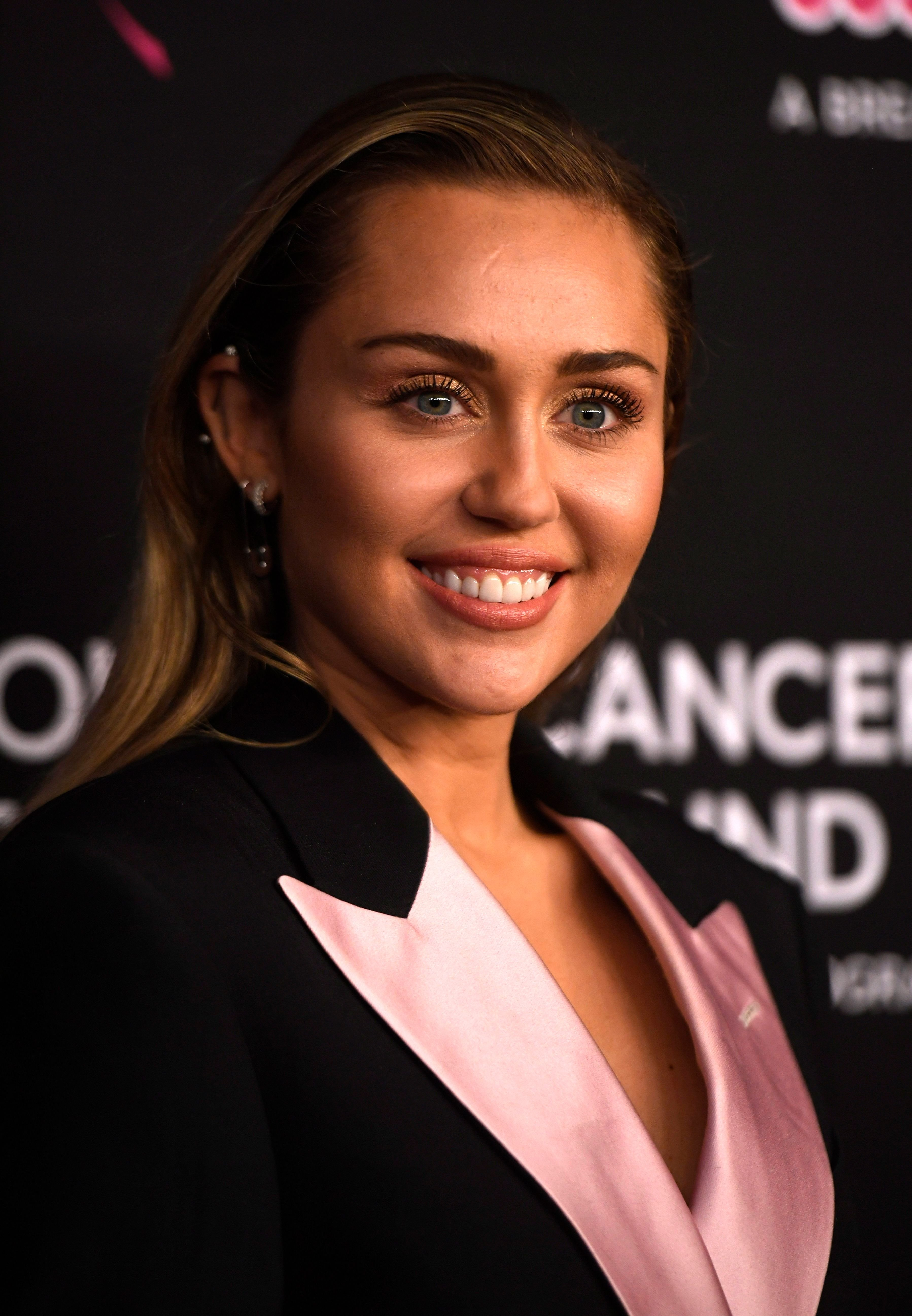 Miley Cyrus at The Women's Cancer Research Fund's An Unforgettable Evening Benefit Gala at the Beverly Wilshire Four Seasons Hotel on February 28, 2019 | Photo: Getty Images