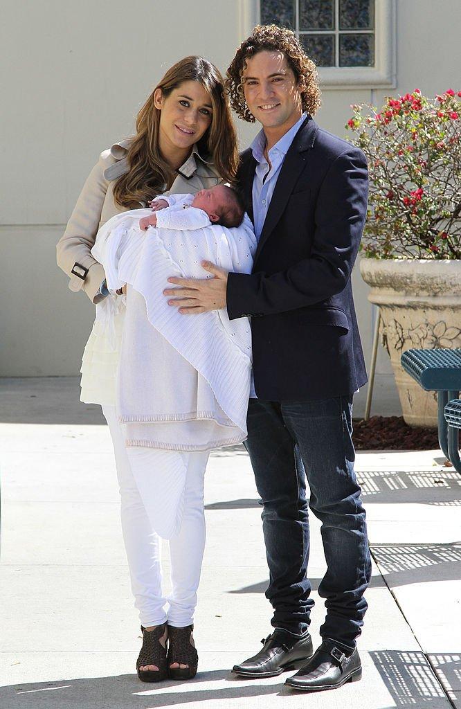Elena Tablada y David Bisbal con su hija recién nacida.| Fuente: Getty Images