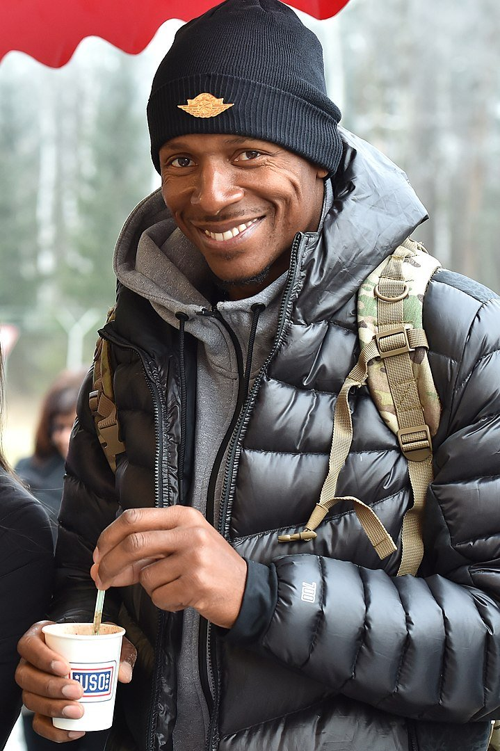 Ray Allen at the United Services Organizations Holiday Tour at the 7th Army Training Command's Grafenwoehr, Germany, Dec. 8, 2016 | Photo: Wikimedia Commons Images