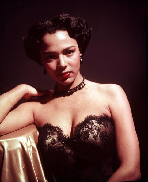 Portrait de la chanteuse et actrice Dorothy Dandridge. | Photo : Getty Images