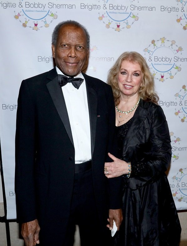 Sidney Poitier and Joanna Shimkus on December 19, 2015 in Beverly Hills, California | Source: Getty Images