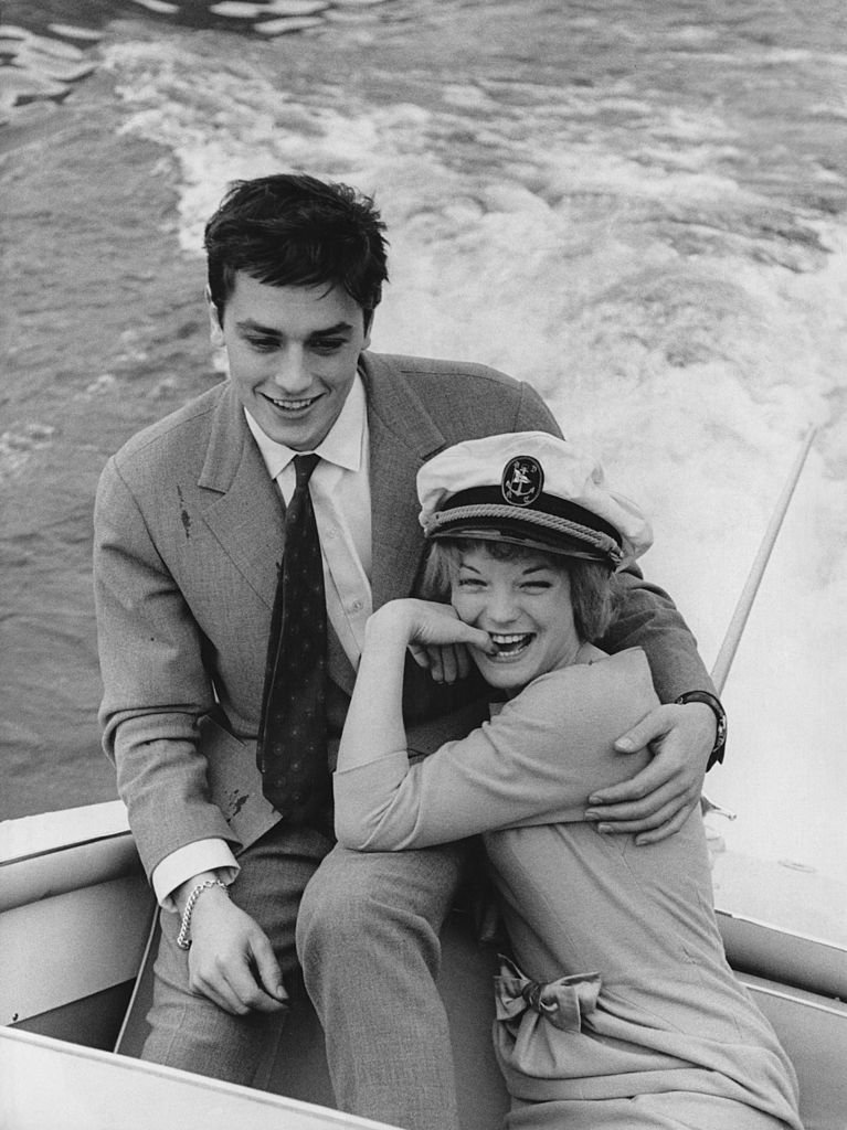 Romy Schneider et Alain Delon en 1959. l Source : Getty Images