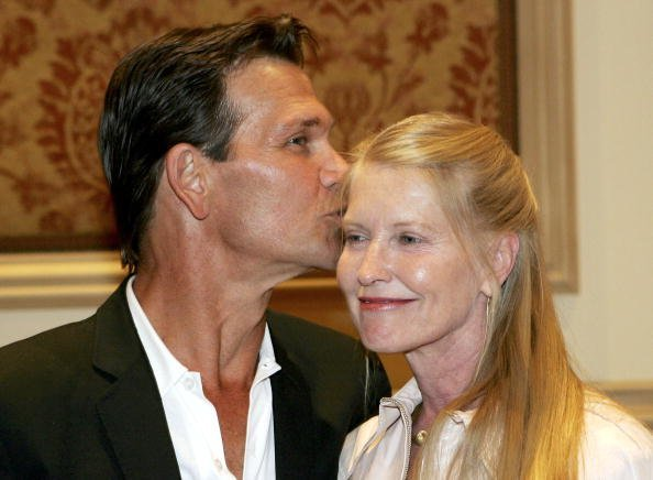 Patrick Swayze and Lisa Niemi at the Bellagio July 27, 2005 in Las Vegas, Nevada | Photo: Getty Images