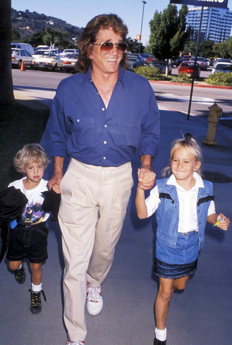 Michael Landon with his daughter, Jennifer, and son, Sean. | Photo: Getty Images