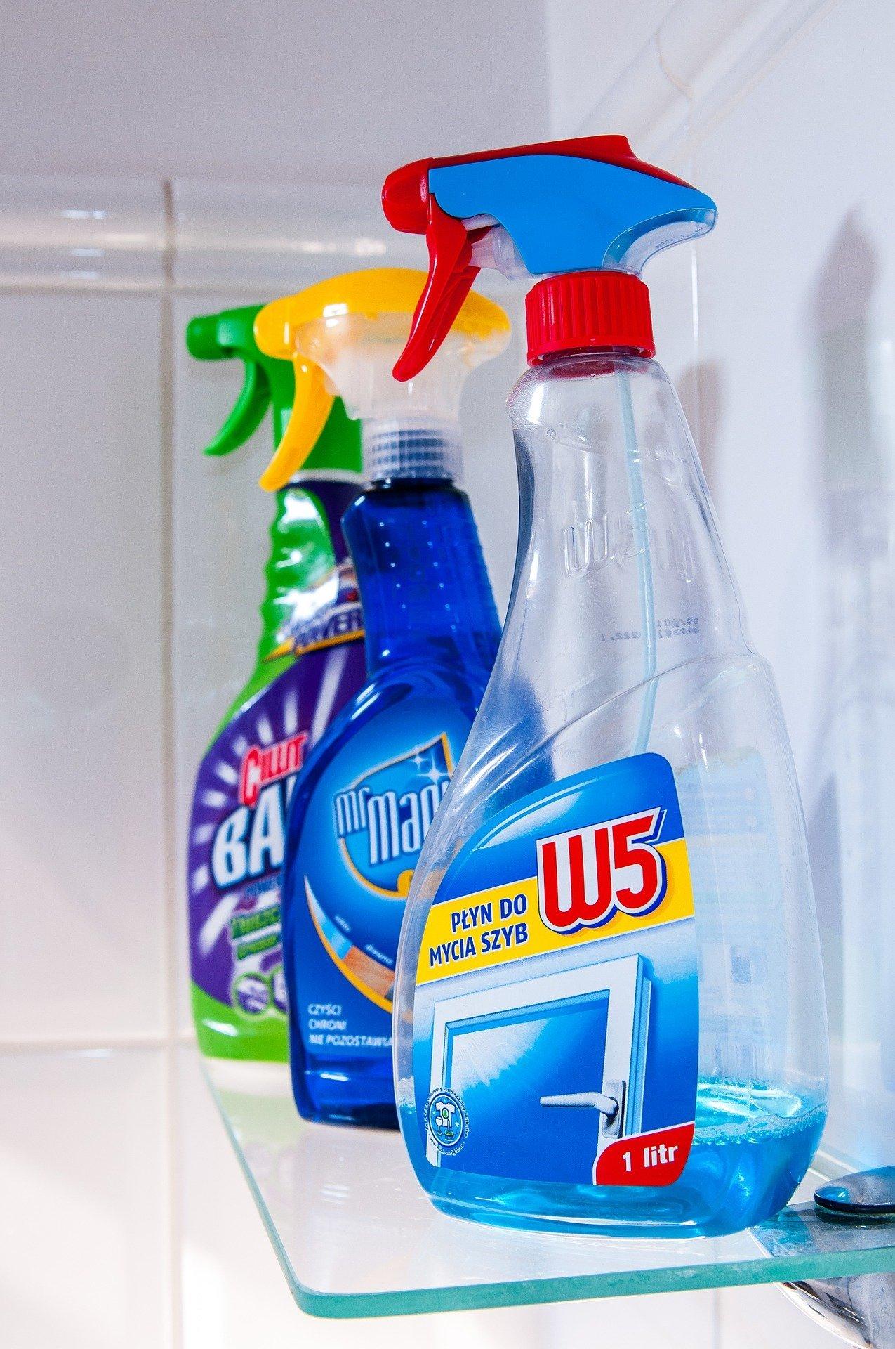Diversos productos de limpieza. Fuente: Pixabay