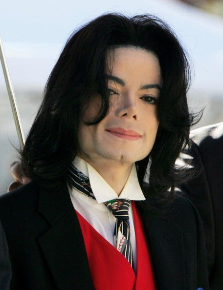 Michael Jackson at the Santa Barbara County courthouse April 29, 2005   Photo: Getty Images