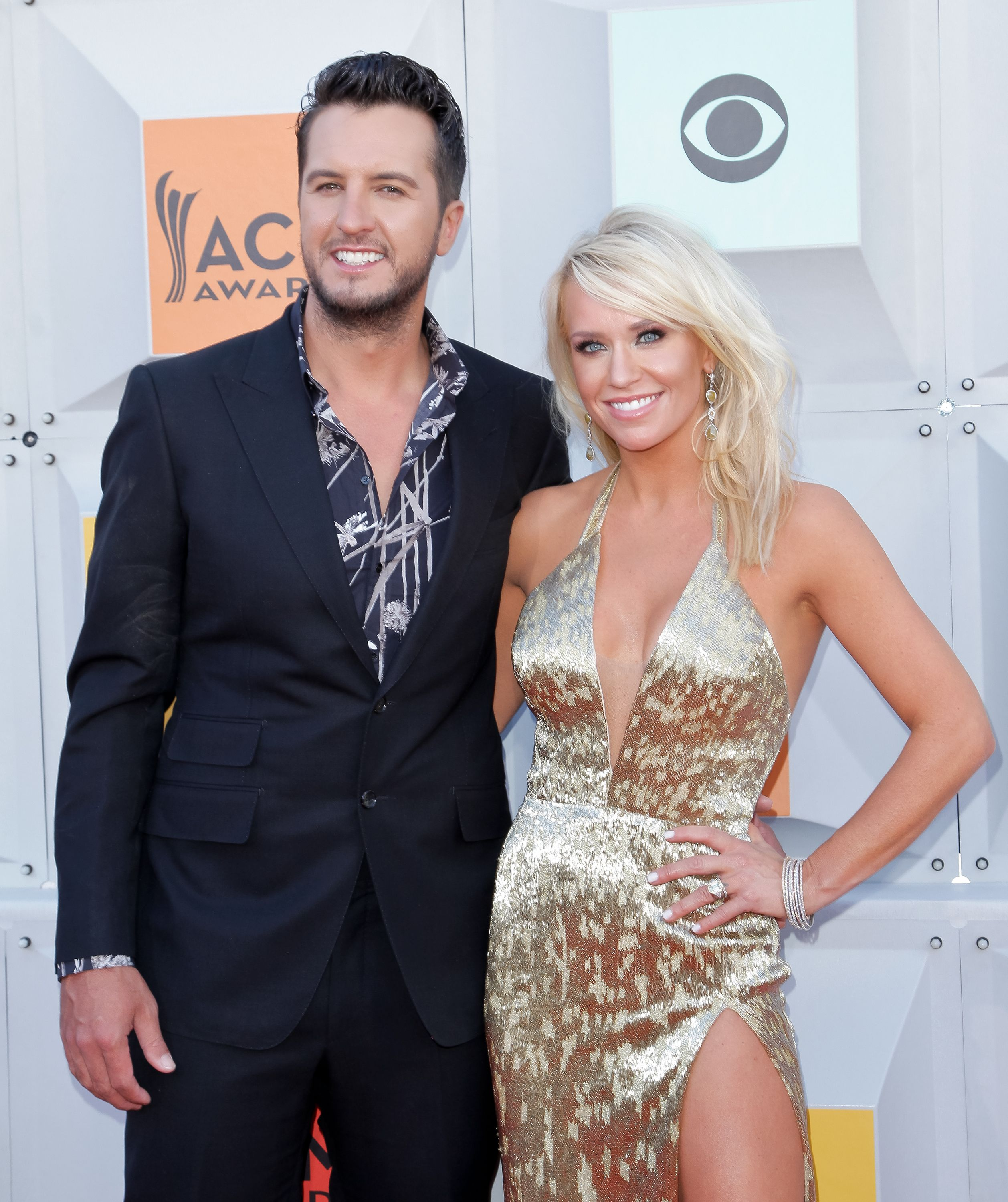 Luke Bryan and Caroline Boyer at the 51st Academy of Country Music Awards at MGM Grand Garden Arena on April 3, 2016, in Las Vegas, Nevada | Photo: Tibrina Hobson/Getty Images