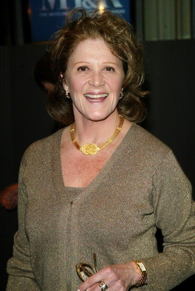 Linda Lavin attends The Museum of Television & Radio's Annual Honors Gala at the Waldorf-Astoria February 5, 2003, in New York City, New York. | Source: Getty Images.