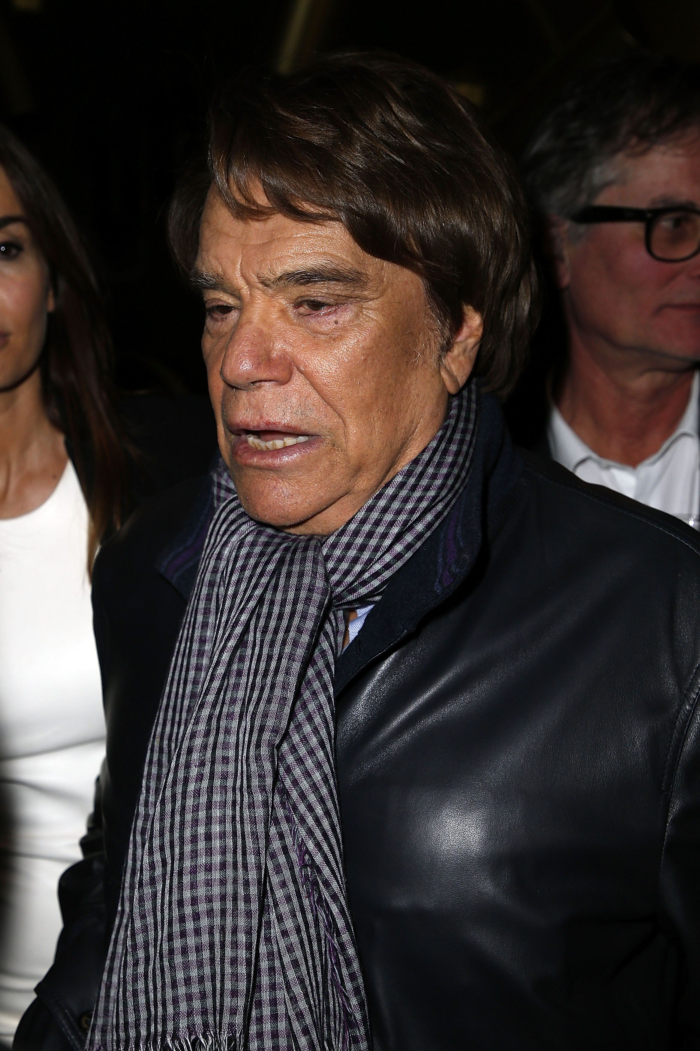 Bernard Tapie avec un foulard carreau | Photo : Getty Images