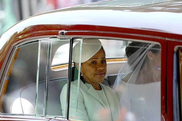 Doria Ragland and Meghan Markle heading to the latter's wedding ceremony in April 2018 | Photo: Getty Images