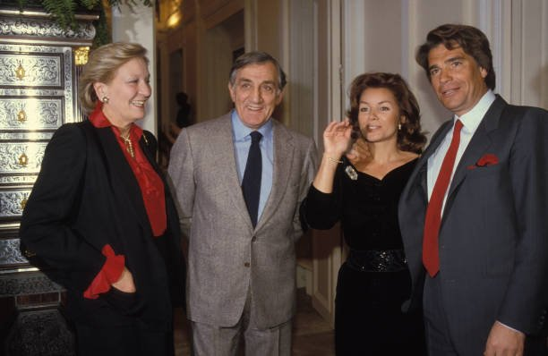 Lino Ventura et sa femme Odette en compagnie du couple Tapie | Photo : Getty Image