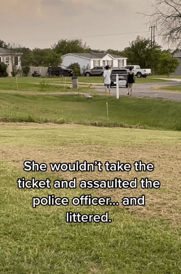 The Karens after getting a ticket from the police officer | Photo: Tiktok.com/jessikadykeee