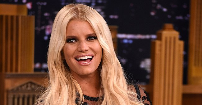 Check Out Jessica Simpson as She Bares Her Endless Legs in a Stunning Photo after Weight Loss