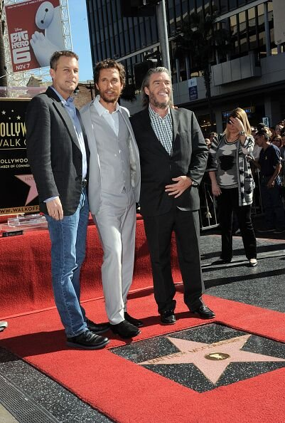 Matthew McConnaughey and brothers Michael and Patrick at Matthew McConaughey's Star ceremony On The Hollywood Walk in 2014 | Source: Getty Images