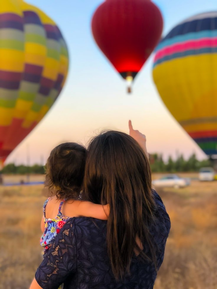 My daughter and I have a wonderful life | Source: Unsplash