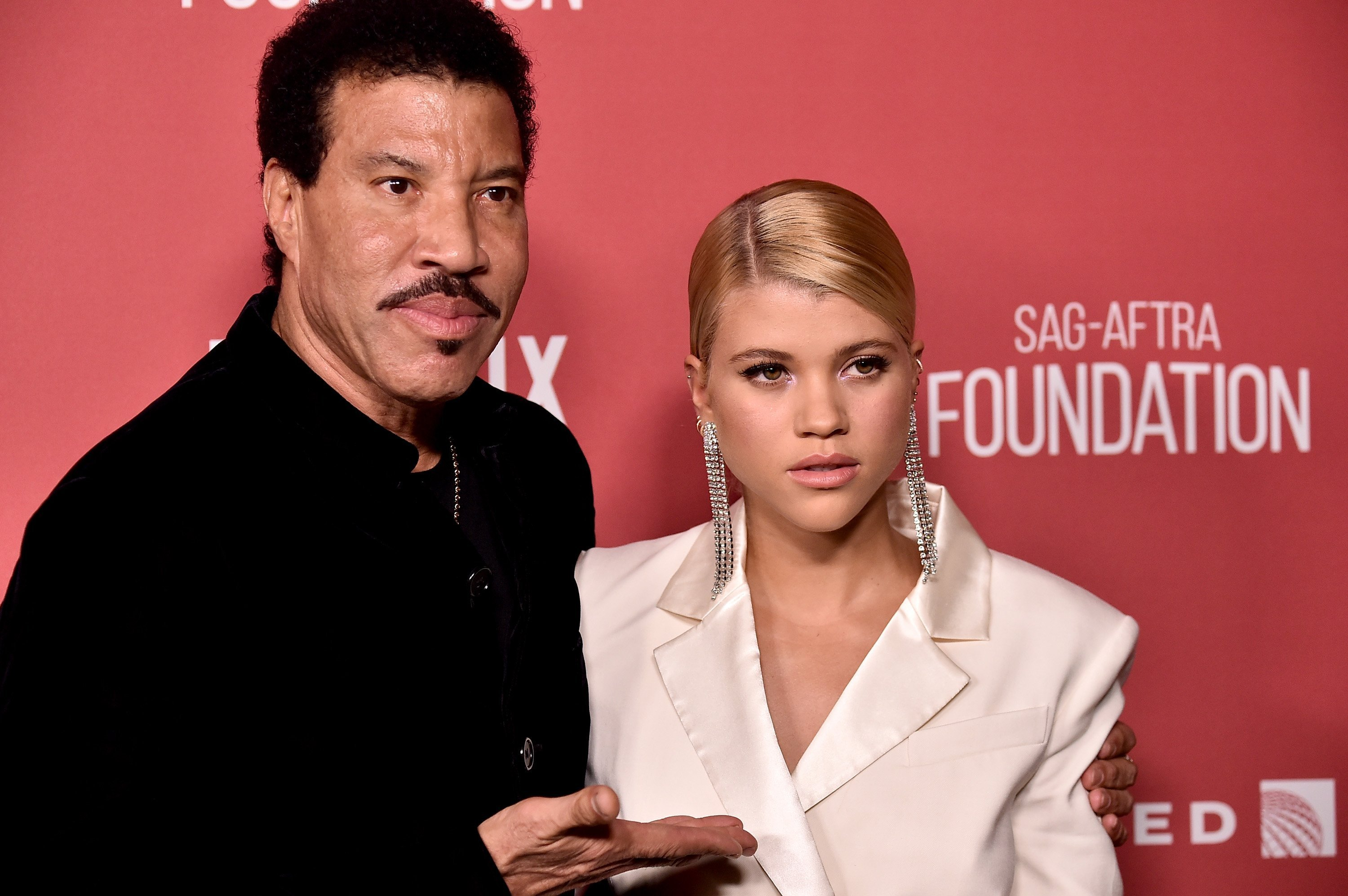 Lionel Richie and Sofia Richie attend the SAG-AFTRA Foundation Patron of the Artists Awards 2017 at the Wallis Annenberg Center for the Performing Arts on November 9, 2017 in Beverly Hills, California. | Photo: GettyImages/Global Images of Ukraine