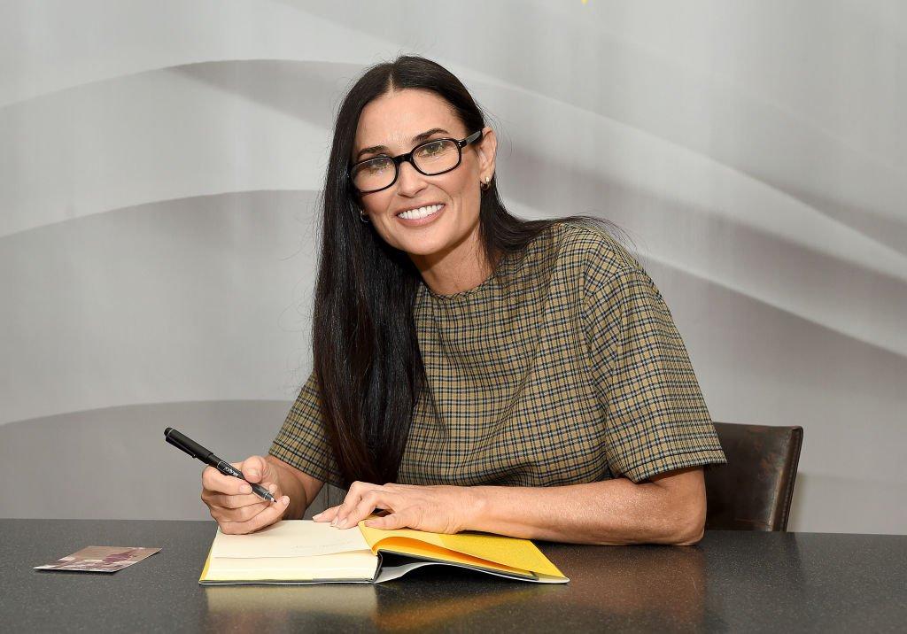 """L'actrice Demi Moore assiste à la signature de son mémoire """"Inside Out""""   Photo: Getty Images"""