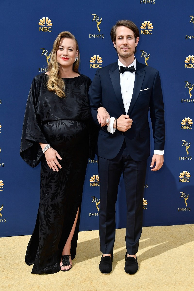 Yvonne Strahovski Is A Doting Mother And Wife Inside The Handmaid S Tale Star S Family Tim loden, who stands at the height of 6 feet 2 inches (1.88 m), celebrates his birthday on 9th of june every year. yvonne strahovski is a doting mother