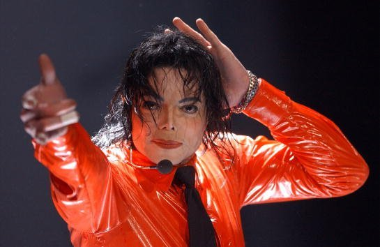 Michael Jackson performs at the taping of 'American Bandstands 50th...A Celebration' television special honoring the music show April 20, 2002, in Pasadena, CA. | Source: Getty Images.