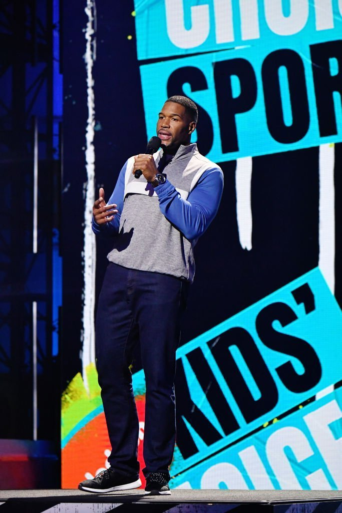 Host Michael Strahan speaks onstage during Nickelodeon Kids' Choice Sports 2019 at Barker Hangar | Photo: Getty Images