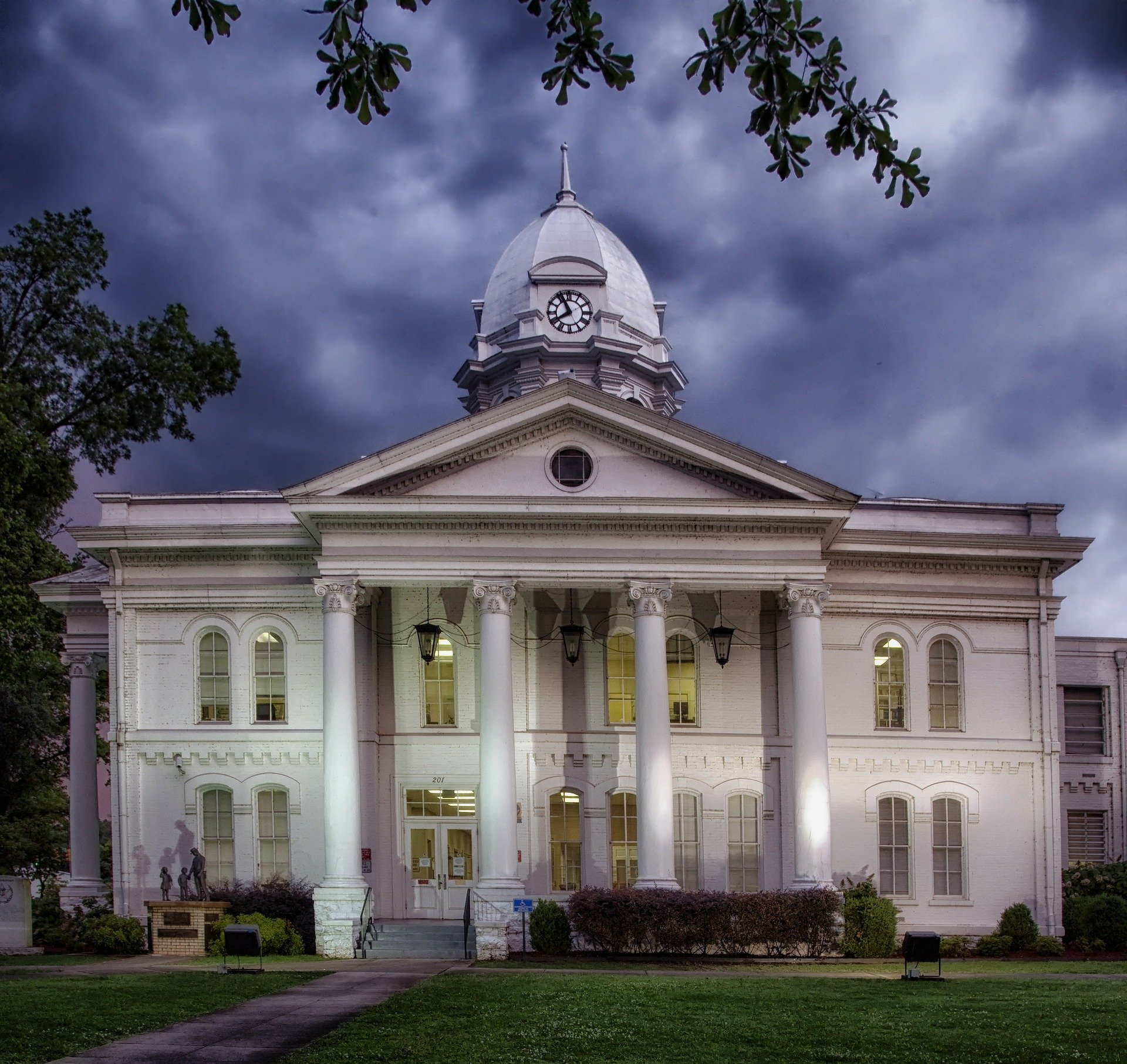Pictured - An Alabama Courthouse   Source: Pixabay