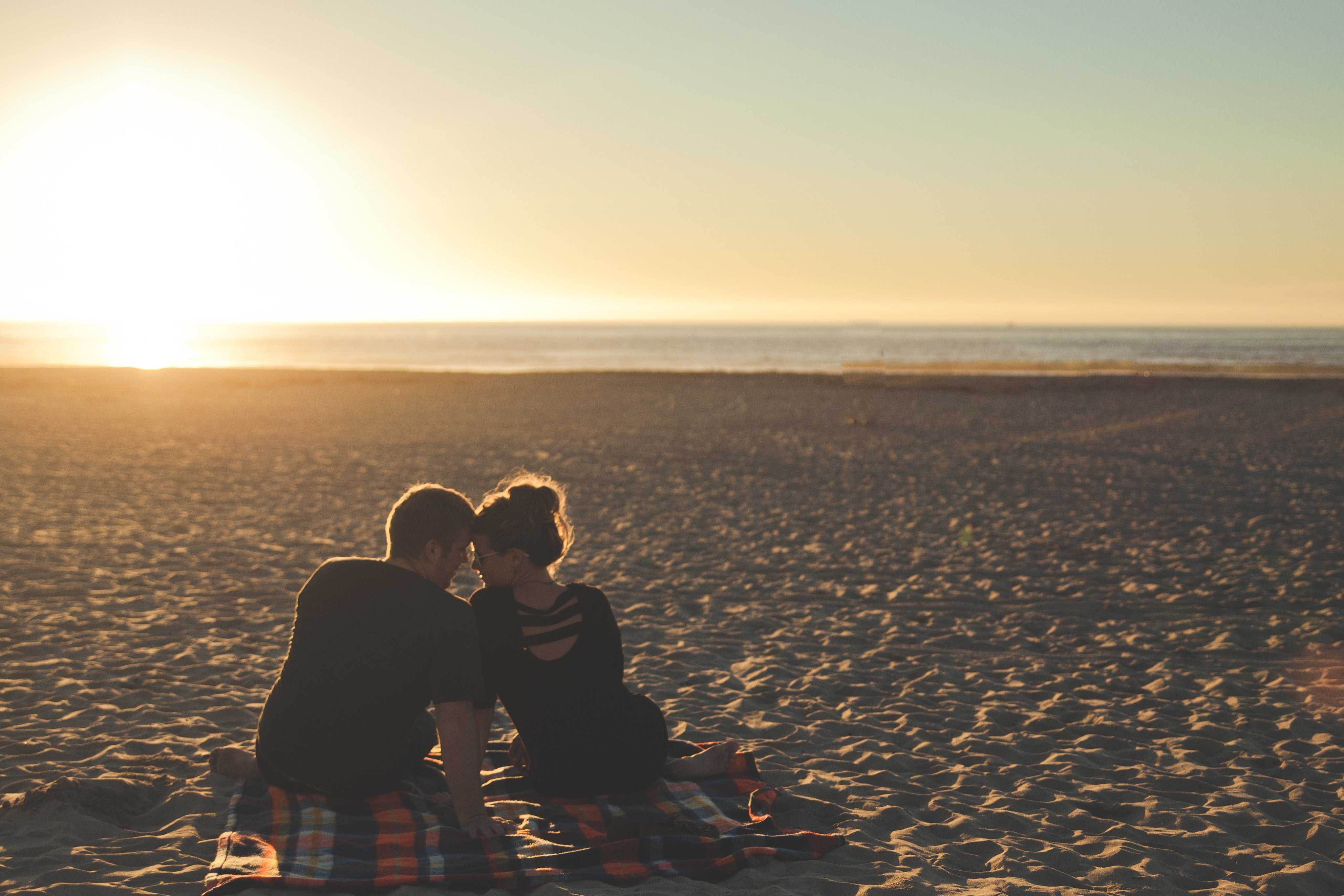 Our first date (if we don't count the techno club) took place on a beach an hour drive from the city | Source: Pexels