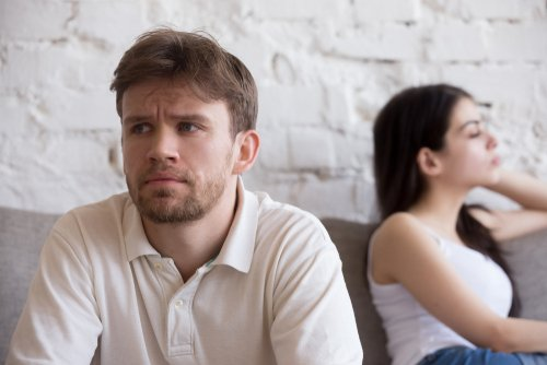 An angry couple not talking. | Source: Shutterstock.
