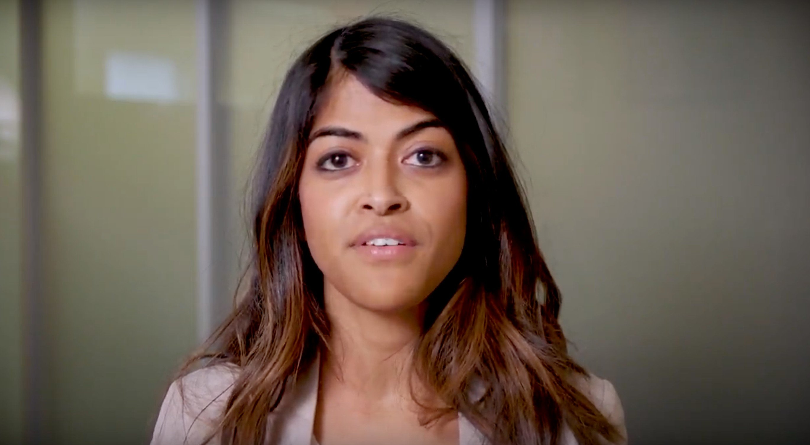 Dr. Meera Sha speaks for reproductive health rights | Photo: YouTube/Physicians for Reproductive Health videos