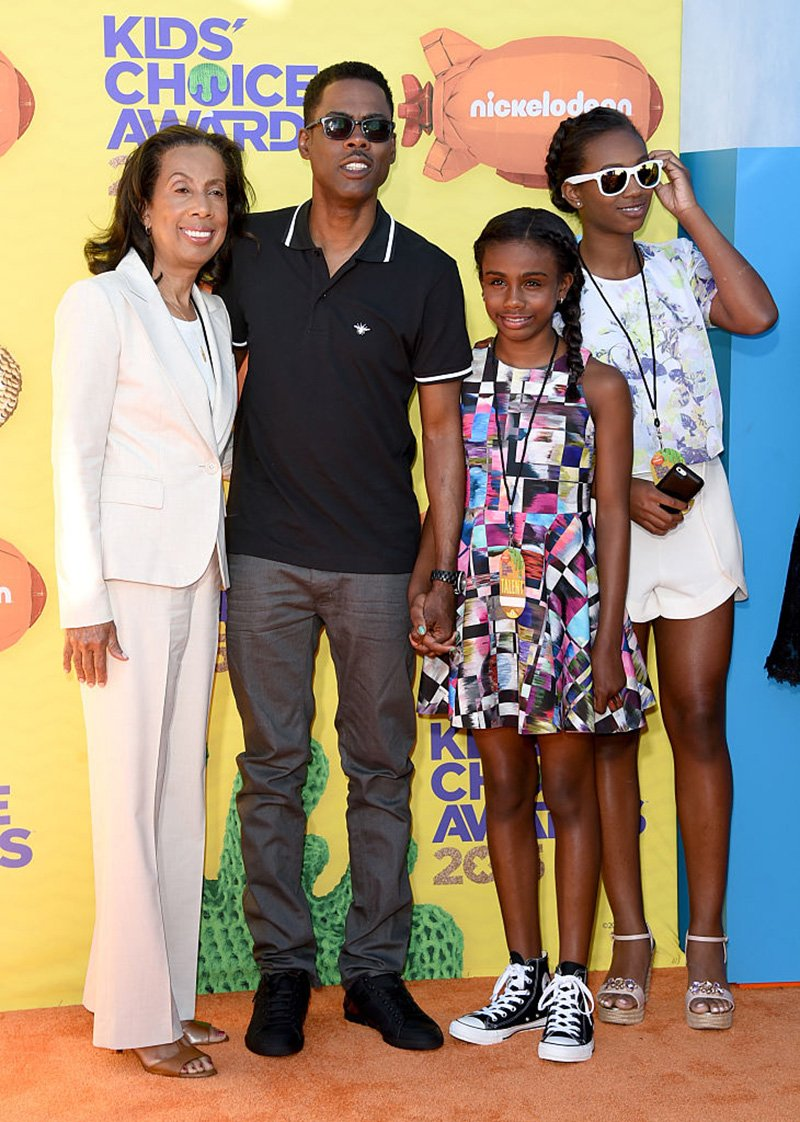 """Malaak Compton-Rock, (Center L) Lola Simone Rock, (Center R) Zahra Savannah Rock and (L) Chris Rock attend the """"Madagascar 3: Europe's Most Wanted"""" New York Premier at Ziegfeld Theatre on June 7, 2012 in New York City. I Image: Getty Images"""