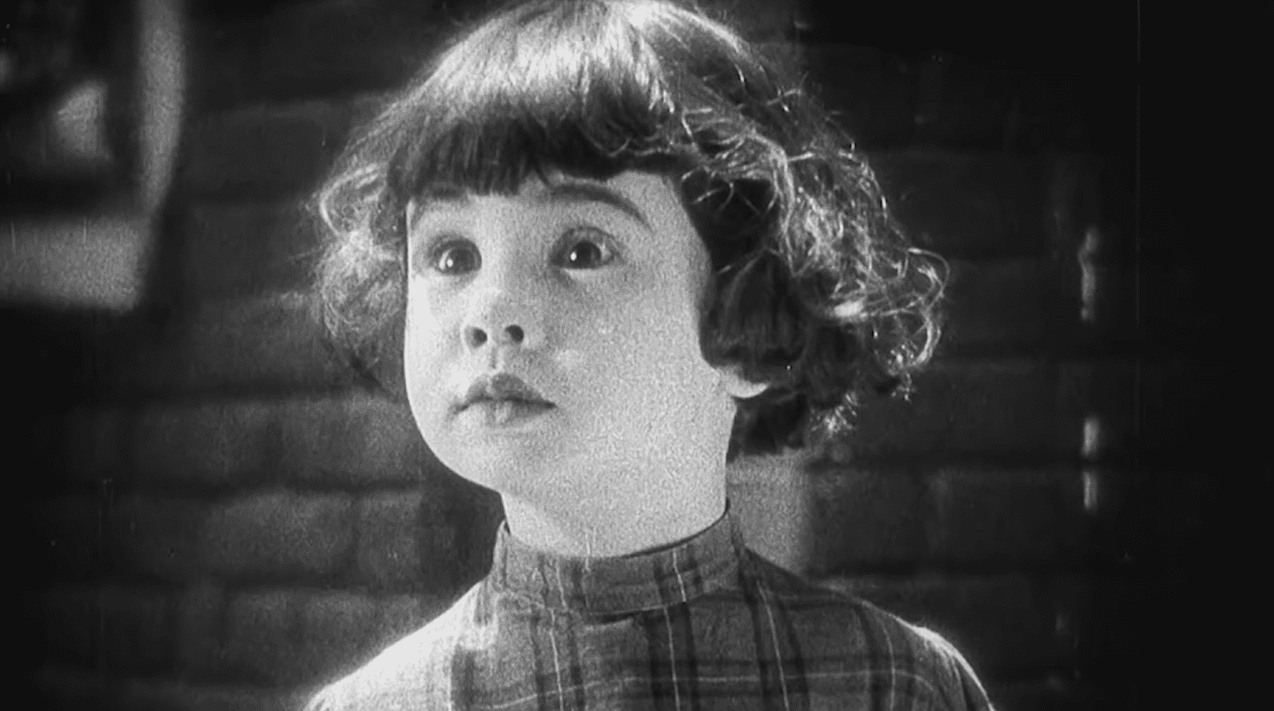 A still image of Baby Peggy Montgomery from a mini-biography about her life. Released on March 10, 2021 | Photo:YouTube/Most Actor & Actress Hollywood