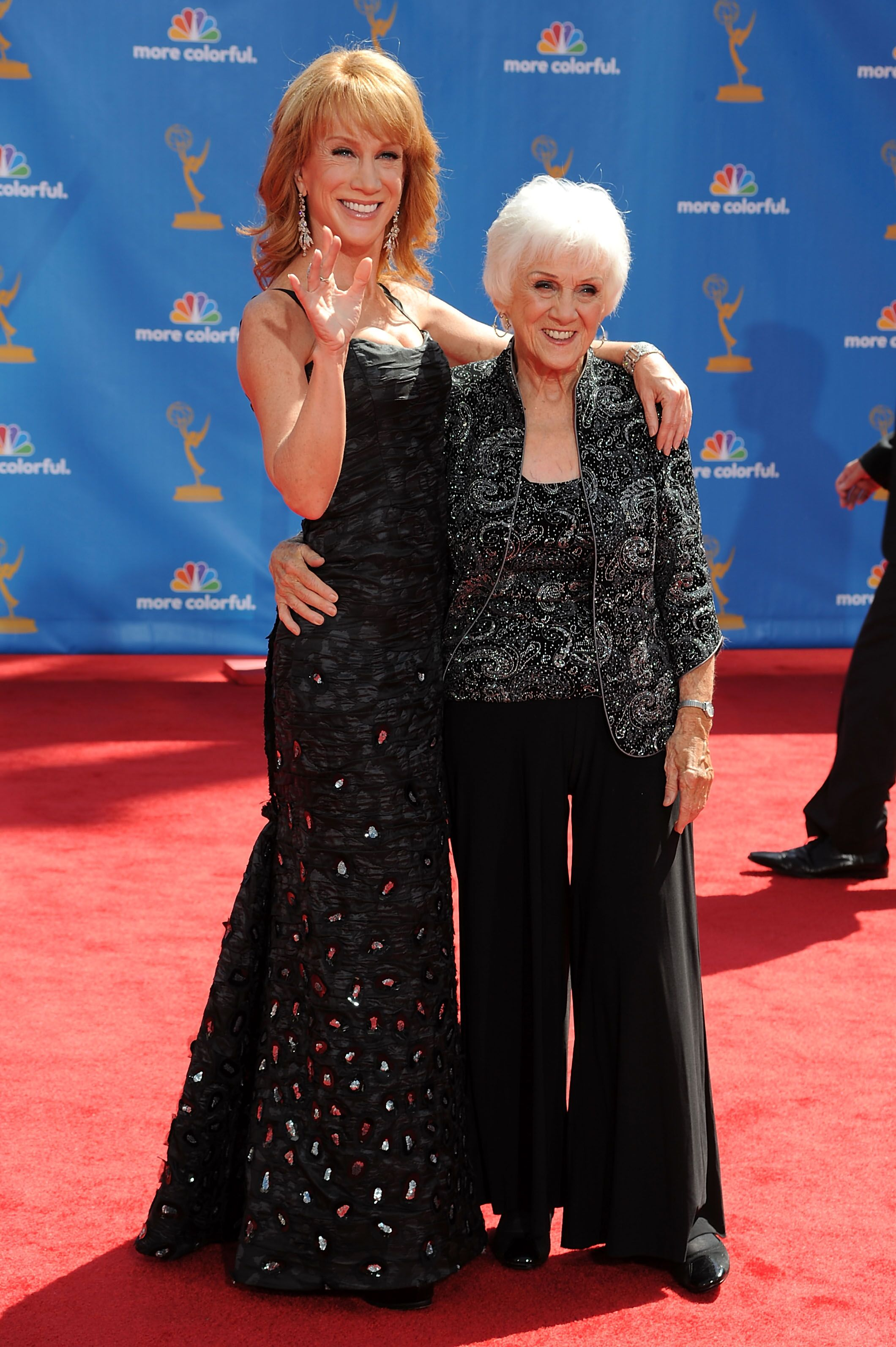 Kathy and Maggie Griffinat the 62nd Annual Primetime Emmy Awardson August 29, 2010, in Los Angeles, California | Photo:Frazer Harrison/Getty Images