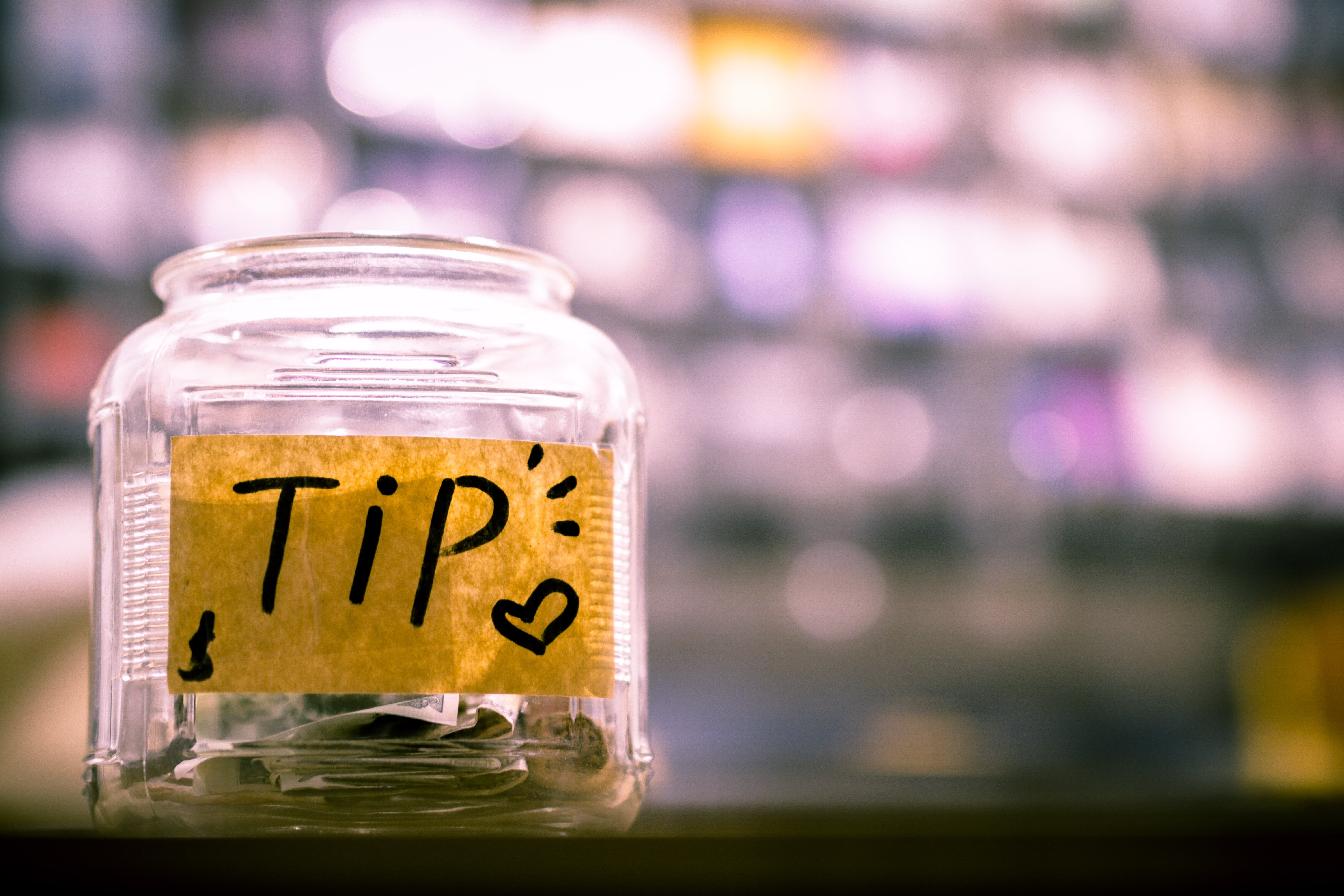 A tip jar | Source: Unsplash.com