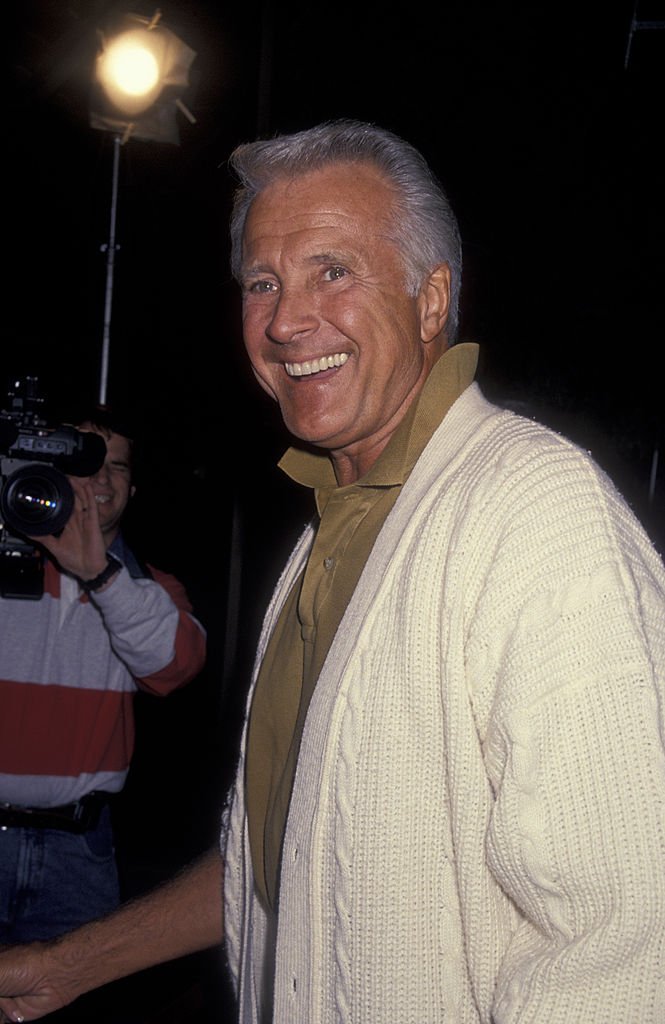 Actor Lyle Waggoner attends the premiere of 'Threesome' on April 18, 1994 at the Academy Theater in Beverly Hills, California. | Photo: Getty Images