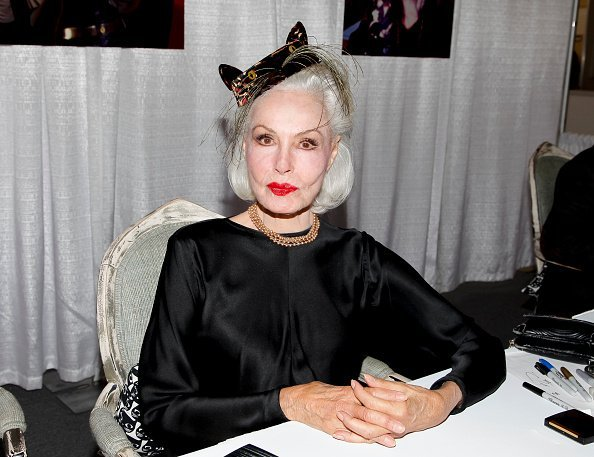 Julie Newmar attends the 3rd Annual CatCon at Pasadena Convention Center | Photo:Tibrina Hobson/Getty Images