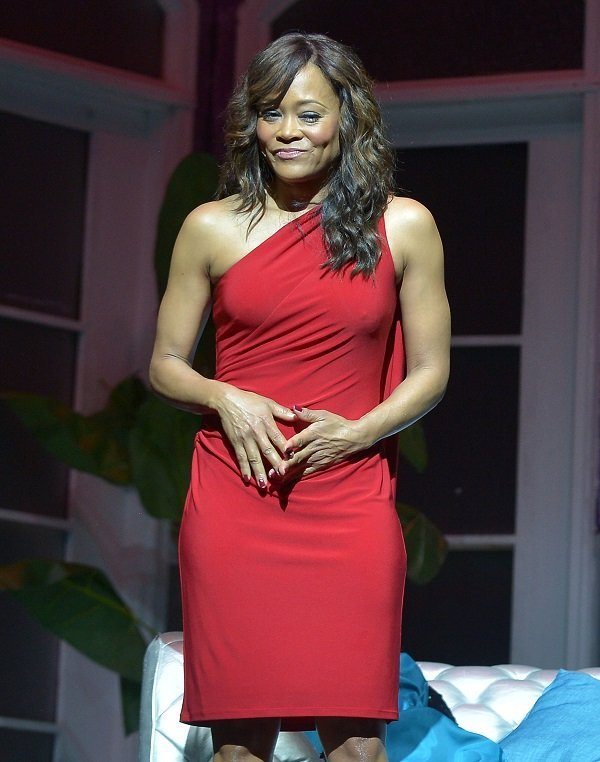 Robin Givens on November 11, 2017 in Miami, Florida | Source: Getty Images