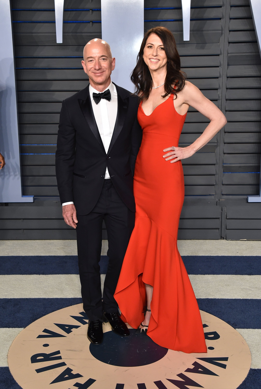 Jeff and Mackenzie Bezos. I Image: Getty Images.