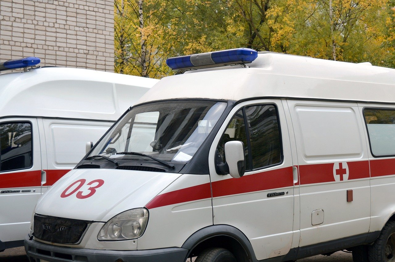 Des voitures d'ambulance. | Photo : Pixabay
