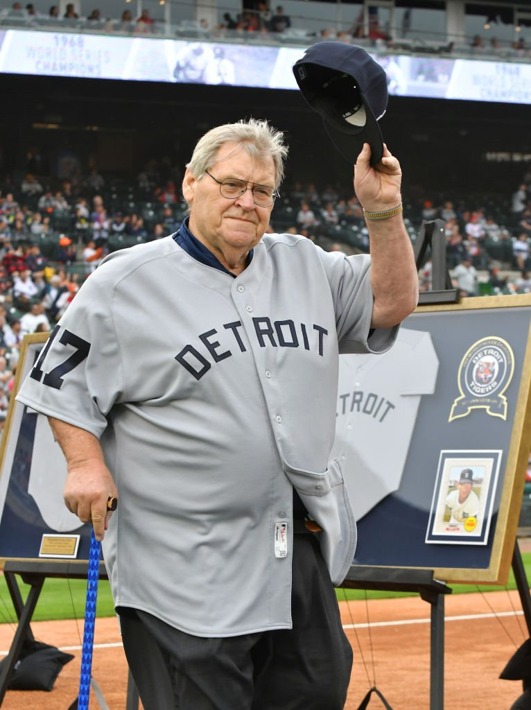 Denny McLain tips his hat at the St. Louis Cardinals at Comerica Park on September 8, 2018 in Detroit, Michigan. | Source: Getty Images