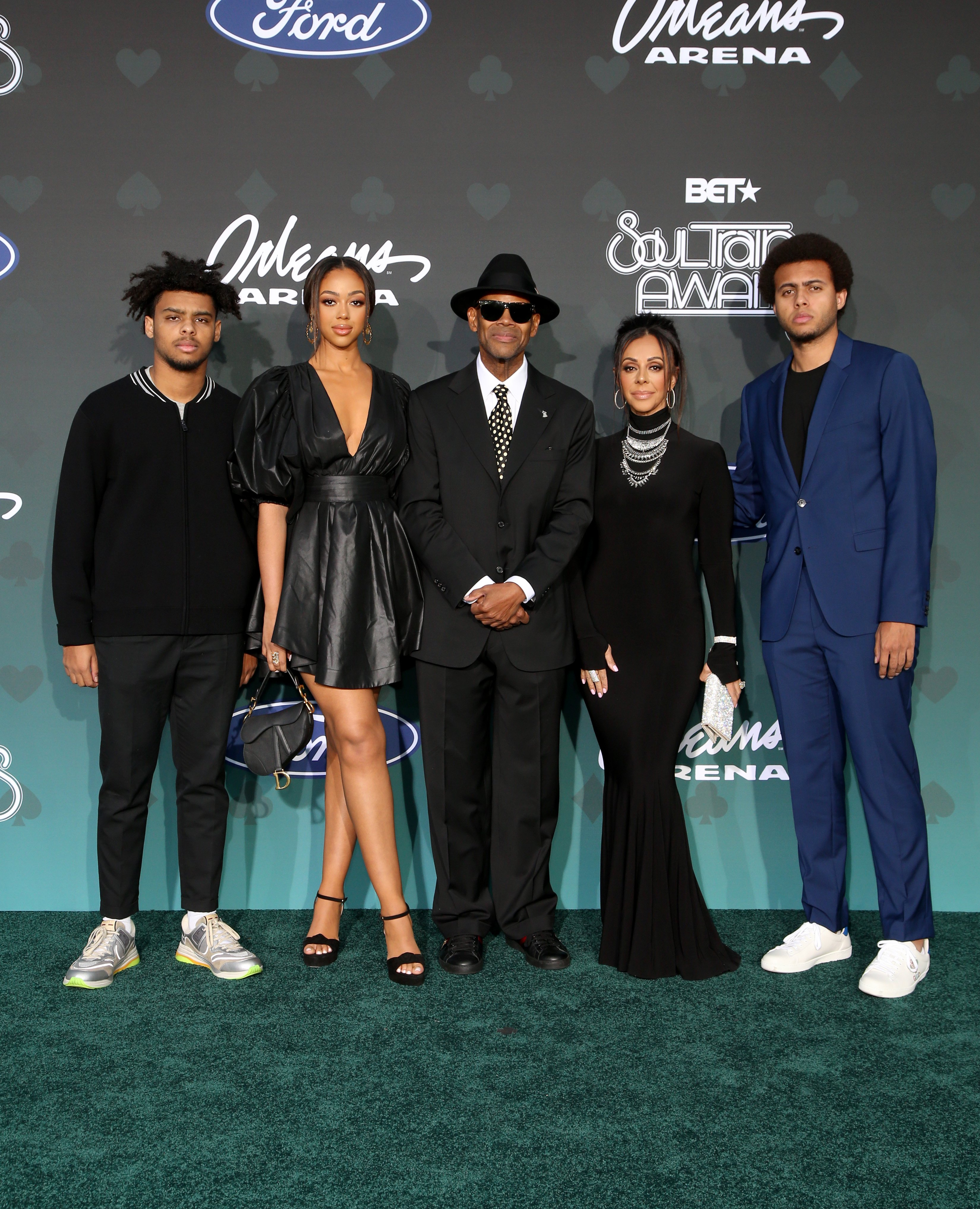Max Harris, Bella Harris, Jimmy Jam, Lisa Padilla and Tyler Harris attend the 2019 Soul Train Awards at the Orleans Arena on November 17, 2019 | Photo: GettyImages
