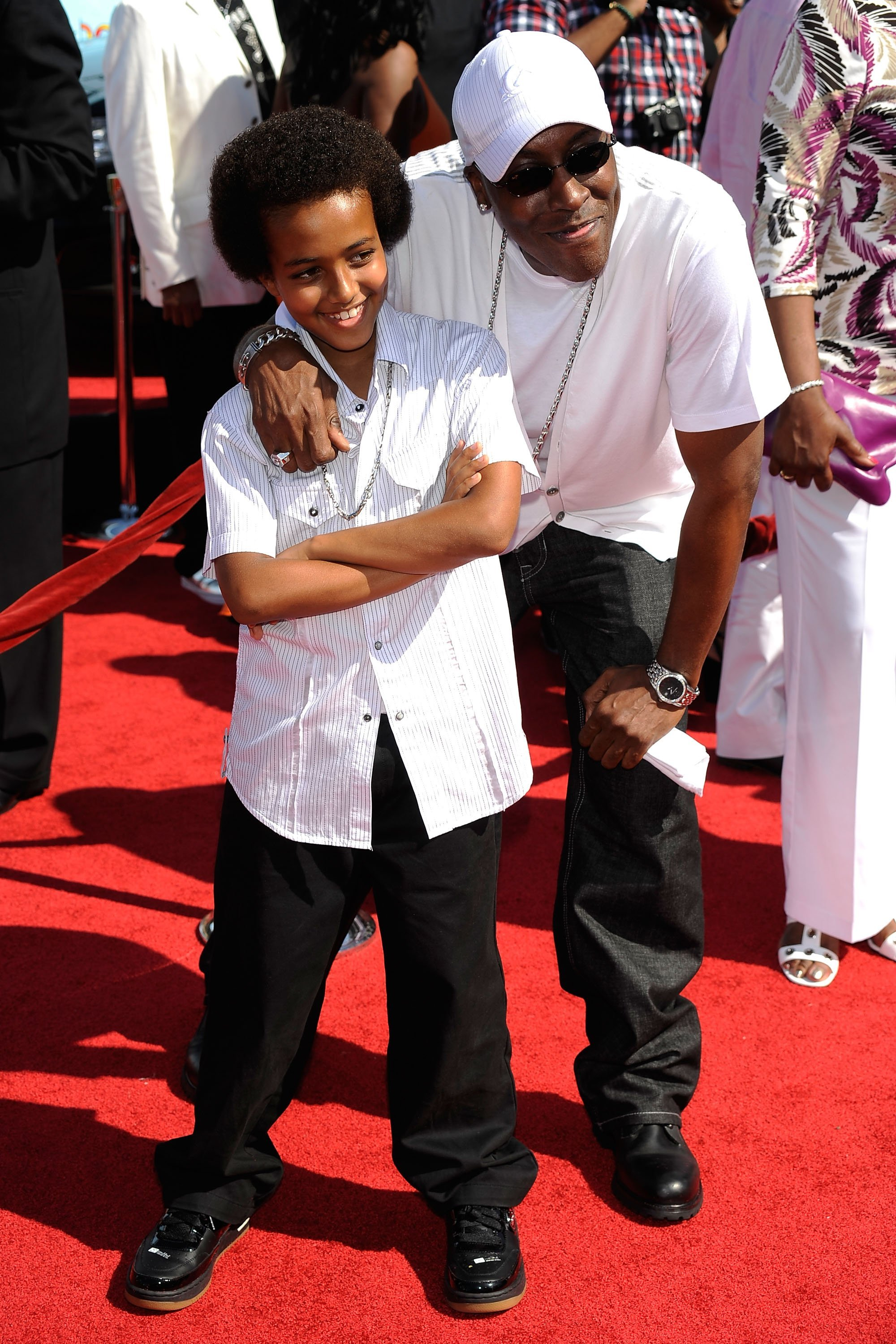 Arsenio Hall and son Arsenio Hall Jr. arrive at the 2009 BET Awards held at the Shrine Auditorium on June 28, 2009 | Photo: GettyImages