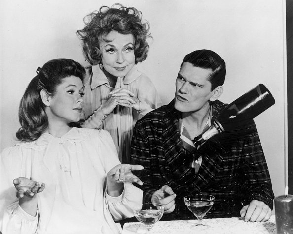 Elizabeth Montgomery, Agnes Moorhead, and Dick York, circa 1960s. | Photo: Getty Images