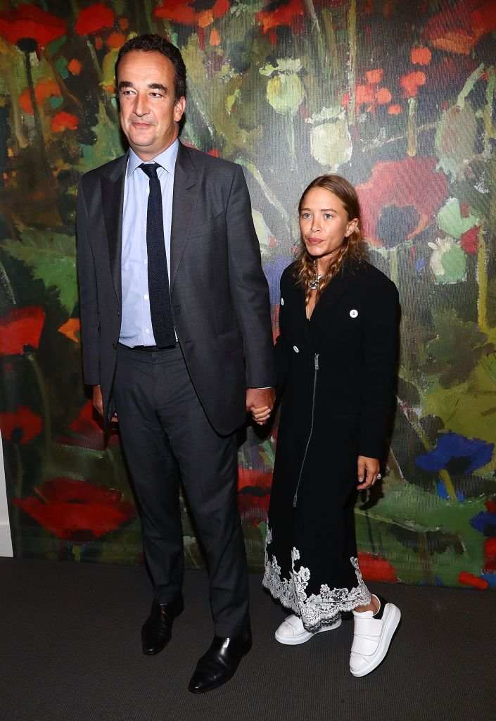 Olivier Sarkozy and Mary-Kate Olsen attend 2017 Take Home A Nude Art party and auction at Sotheby's on October 11, 2017 in New York City | Photo: Getty Images