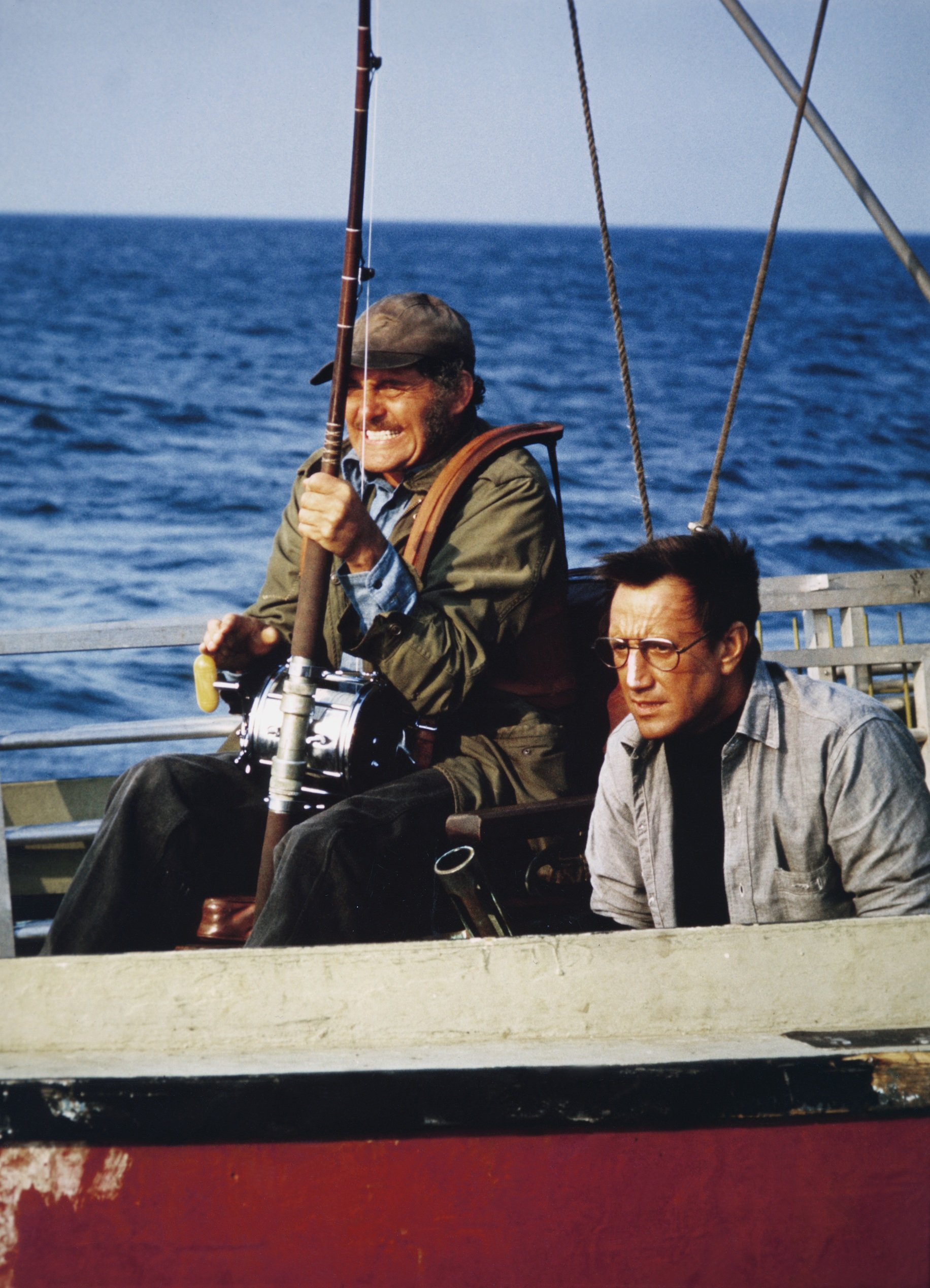 """Robert Shaw and American actor Roy Scheider on the set of """"Jaws.""""   Source: Getty Images."""